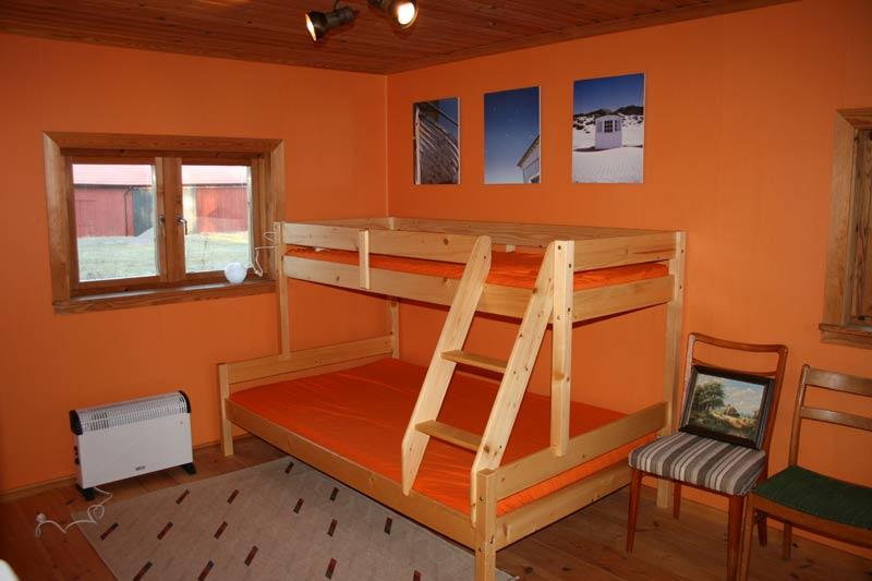 Etagenbett Für 3 Personen : Das etagenbett für drei personen unsere ahornfarm in håkannäs