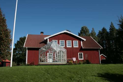 Das Haupthaus der Ahornfarm von Håkannäs