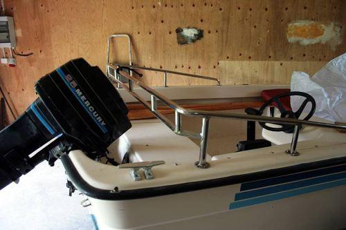 Boot für vier Personen mit 25-PS-Motor